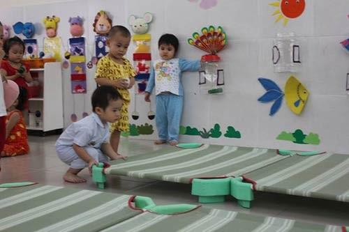 'Đột nhập' lớp mẫu giáo con sao Việt 9