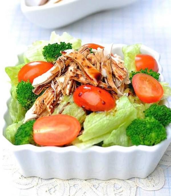 Salad gà chua ngọt dễ ăn 2