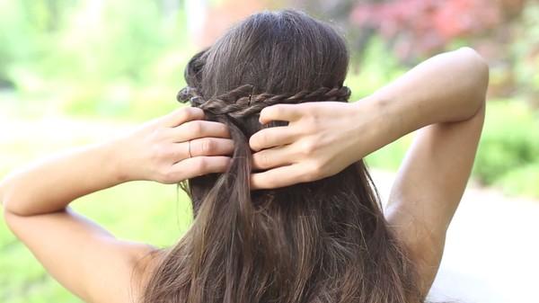 Tự thực hiện 3 kiểu tóc dịu dàng cho mùa thu 26