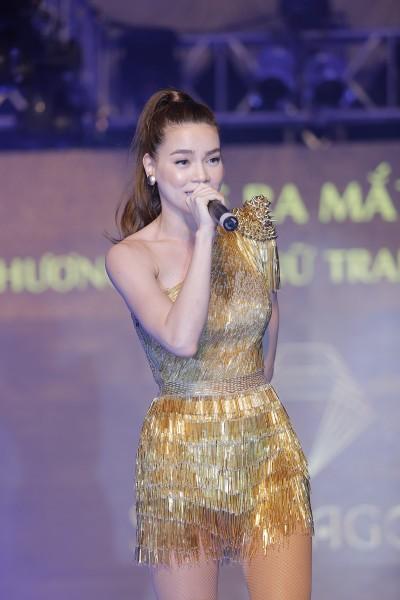 Lê Thị Phương rũ bỏ hình ảnh gái quê sau sửa mũi 11