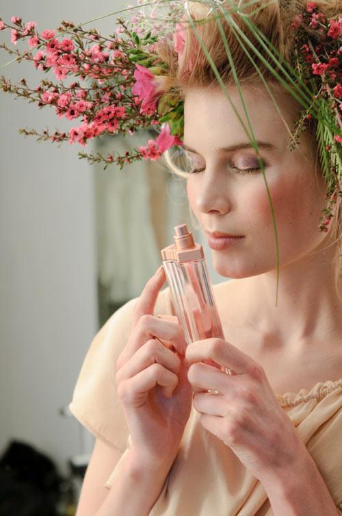 Mẹo giúp bền mùi nước hoa 5