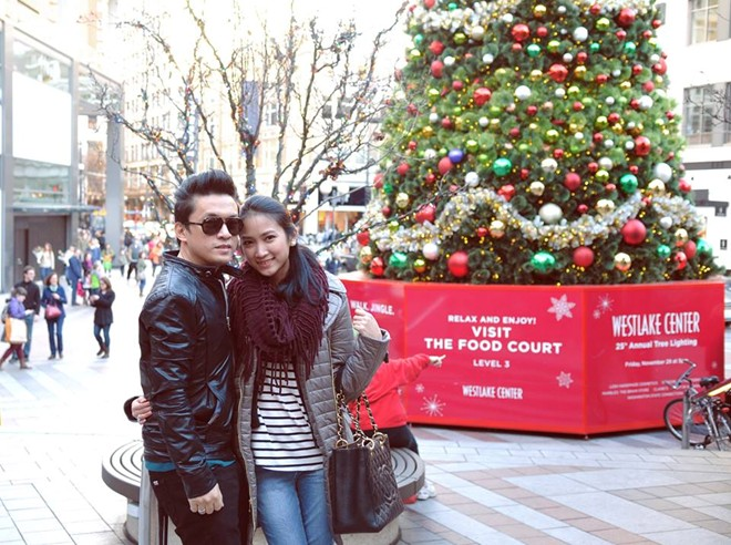 Vợ hot girl khoe ảnh tình tứ bên Lam Trường dịp Giáng sinh 1