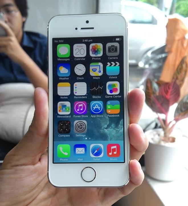 iPhone 5S đầu tiên tại Sài Gòn được bán với giá 52 triệu 6