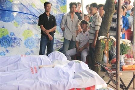 Vụ 4 người chết cháy: Đau đớn tai họa ập xuống gia đình hạnh phúc nhất xóm 4