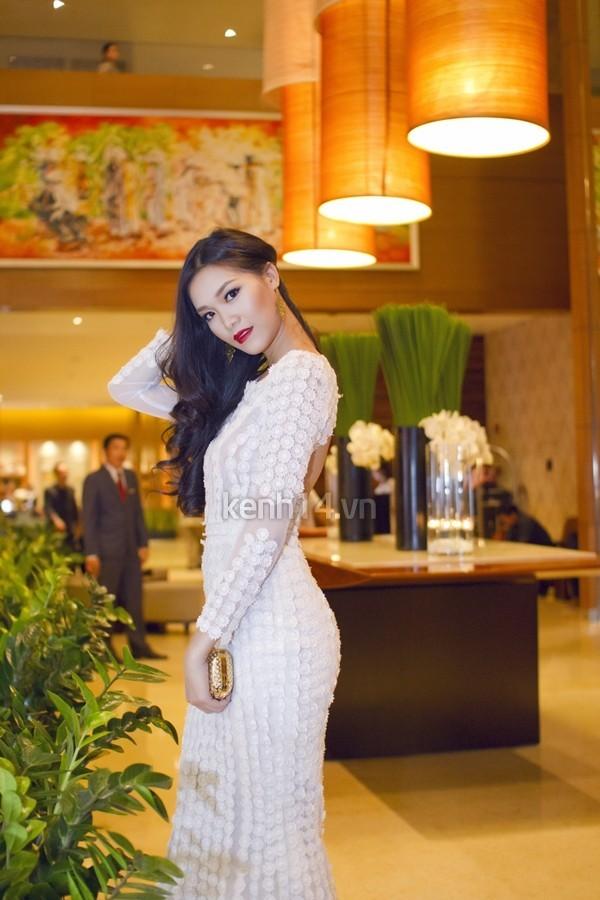 """Những sao Việt """"nghiện"""" phong cách trang điểm đậm 32"""