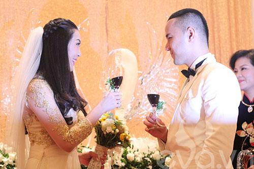 Cận cảnh đám cưới cổ tích của Á hậu Thùy Trang 9