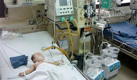 Đắng lòng mẹ cho con uống thuốc độc ngay sau ngày sinh nhật 2