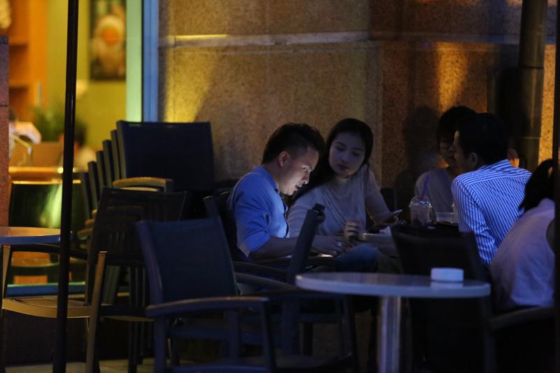 Cao Thái Sơn hẹn hò bạn gái sau nghi án gạ tình hot boy 4