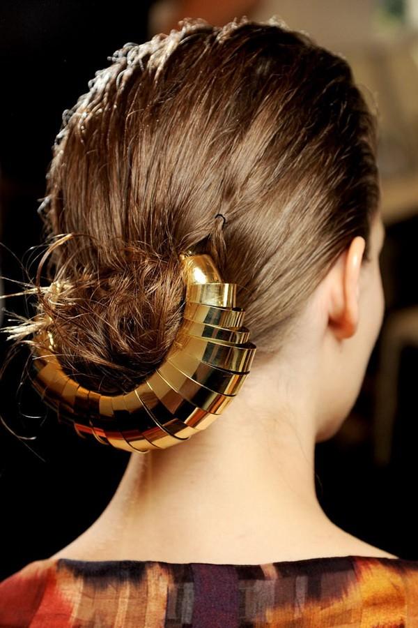 7 kiểu tóc búi, cột quyến rũ cho mùa Hè 2013 23