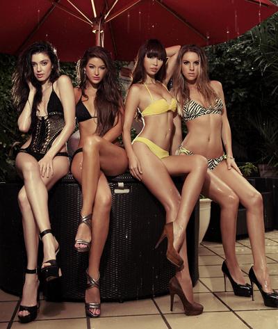 Hà Anh bốc lửa bên top 3 Miss Global 1