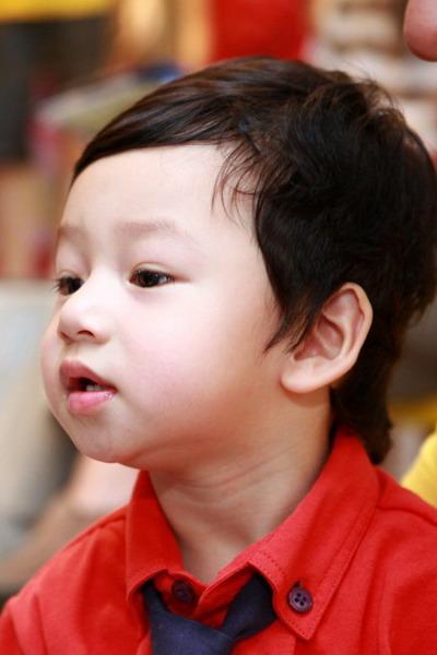 Ngắm quá trình lớn lên của các nhóc tì Sao Việt 13