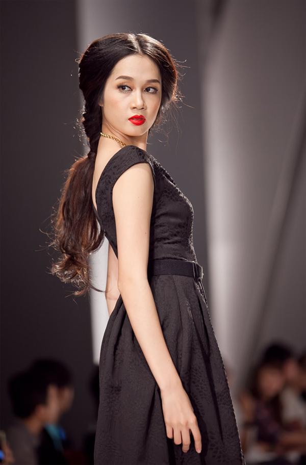 Những mẫu váy lộng lẫy mới nhất cho tháng 4 11