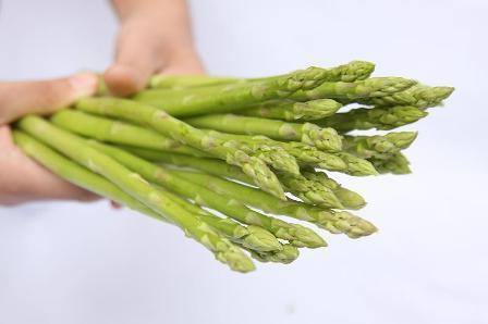 Những lợi ích tuyệt vời khi ăn măng tây 1