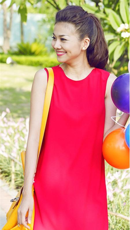 Sao Việt quyến rũ với váy suông 11