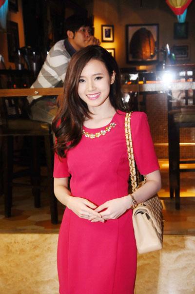 Mỹ Linh yên tâm để Anna Trương tự lập 6
