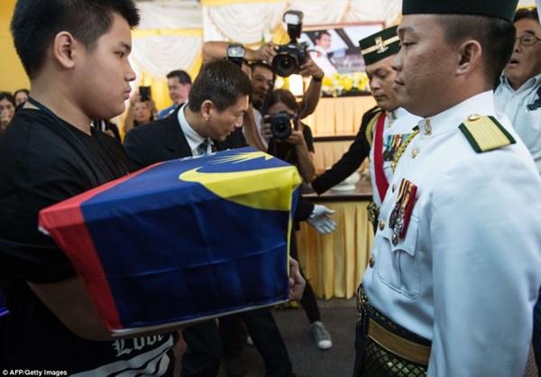 Đẫm nước mắt tang lễ 2 phi công vụ MH17 10