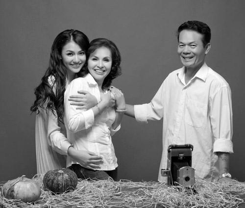 Hồng Quế khoe ảnh gia đình đẹp lung linh 1