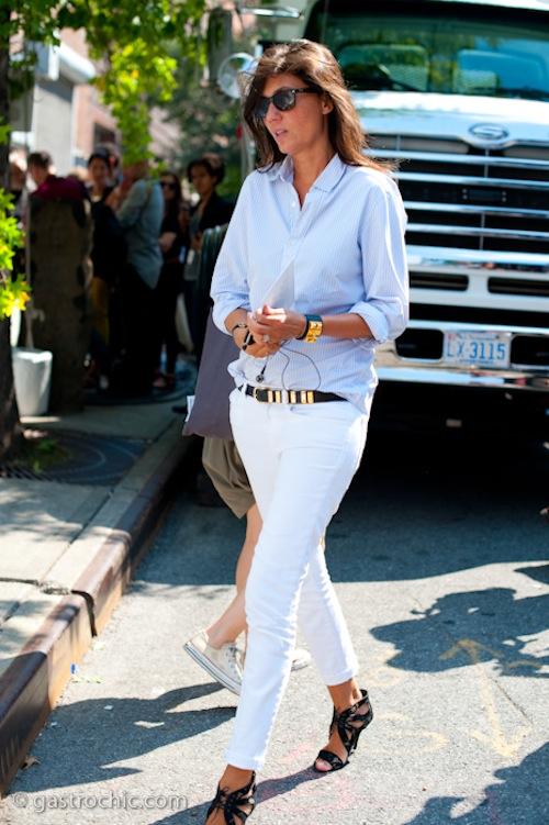 Phối đồ nổi bật cùng 4 kiểu quần trắng phổ biến cho nàng công sở 6