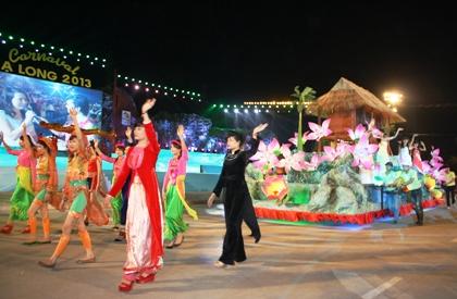 Ngắm hình ảnh rực rỡ tại lễ hội Carnaval Hạ Long 2013 10