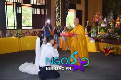 Lễ cưới theo nghi thức Phật giáo của ca sỹ Mỹ Dung 16