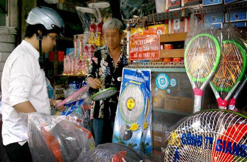 Tràn lan vợt diệt muỗi Trung Quốc có khả năng gây nguy hiểm 1