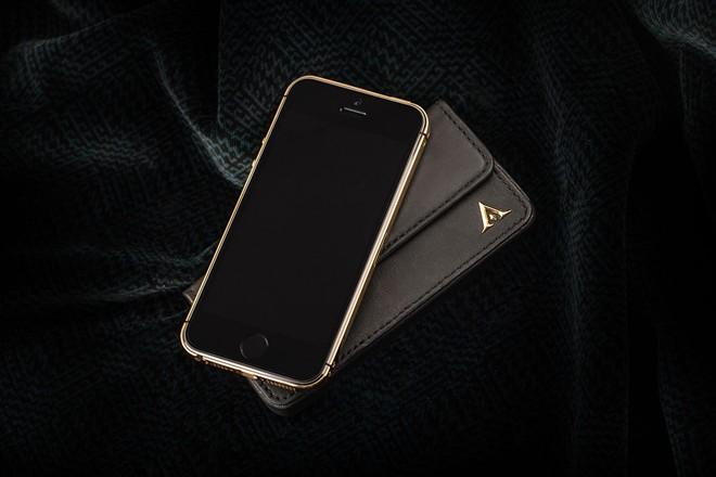 iPhone 5S mạ vàng bọc da cá sấu giá 35 triệu ở VN 6