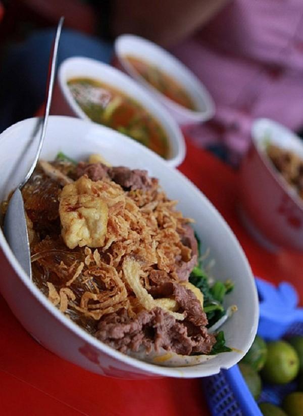 Các món trộn ngon tuyệt giá dưới 30.000 đồng tại Hà Nội 9