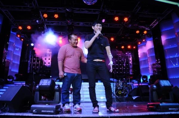 Lâm Chí Khanh bóp nghẹt vòng 1 trong đêm nhạc từ thiện 8