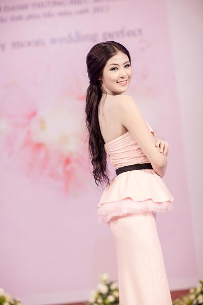 Hoa hậu Ngọc Hân ngày càng đẹp và trắng 2