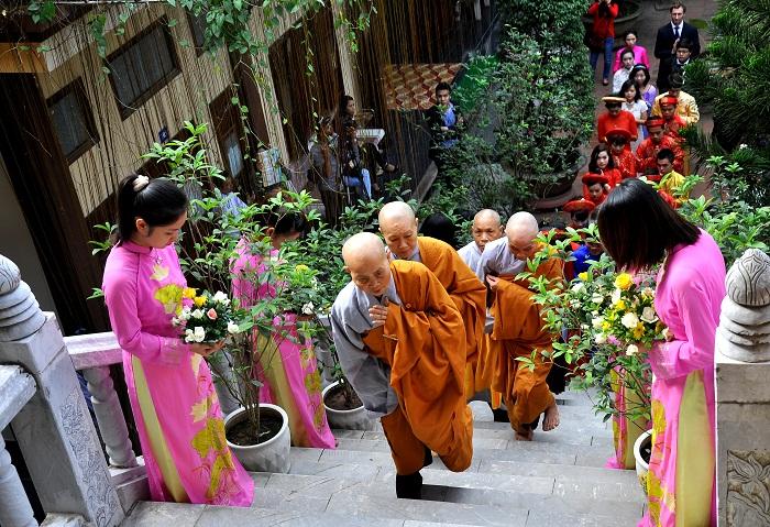 Hà Nội: Kết hôn tập thể theo nghi thức Phật giáo cho 14 đôi tân duyên 2