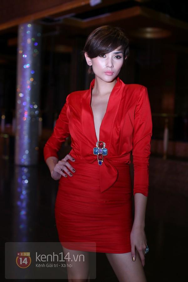 """Những sao Việt """"nghiện"""" phong cách trang điểm đậm 6"""