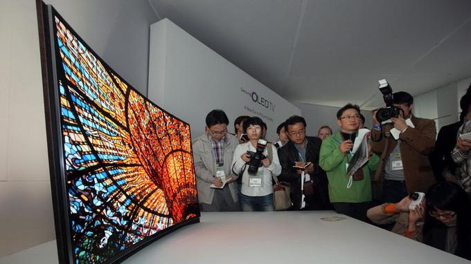 Samsung sẽ trình làng điện thoại màn hình cong 1