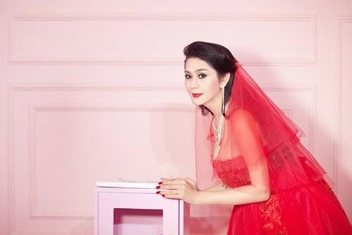 Lâm Chi Khanh xinh đẹp trong váy cưới đỏ rực 4