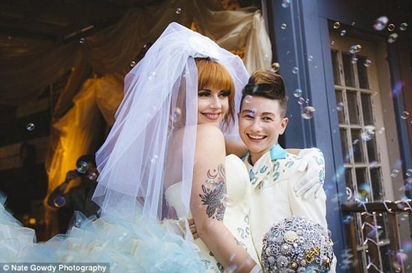 Chùm ảnh cưới đẹp long lanh của cặp đôi đồng tính Mỹ 9