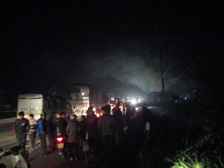 Cửa hàng gas cháy nổ, đổ sập trong đêm Noel 2