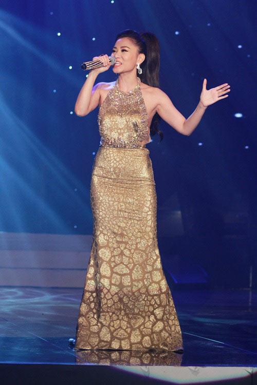 Thu Minh chi 700 triệu sắm hàng hiệu mặc trong Liveshow 2