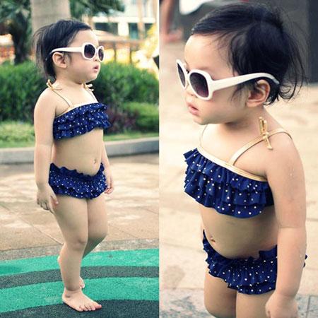 MC Diệp Chi khoe con gái đáng yêu với bikini 3