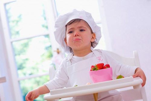 Học bác sĩ chiêu hay trị trẻ biếng ăn 1