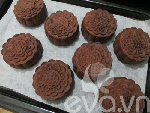 Học cách làm bánh trung thu sô cô la  11