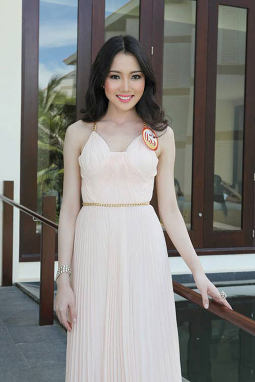 """Những cô vợ """"Hoa hậu"""" nổi tiếng của sao nam Việt 4"""