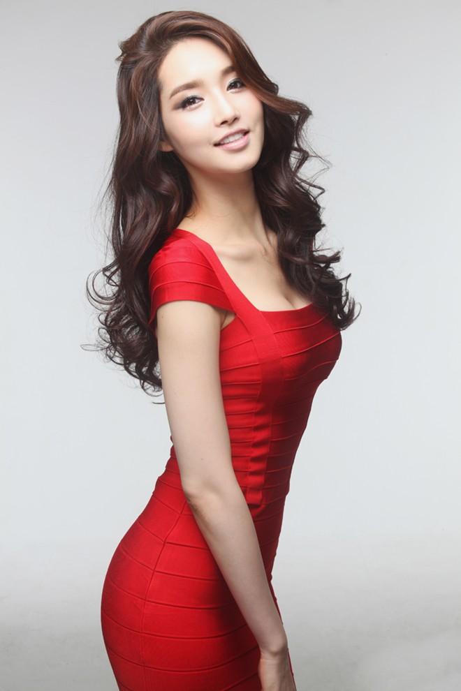 Đọ nhan sắc Trương Thị May và các Hoa hậu Hoàn vũ châu Á 6
