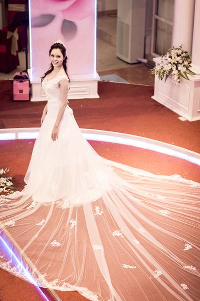 Hoa hậu Ngọc Hân ngày càng đẹp và trắng 9