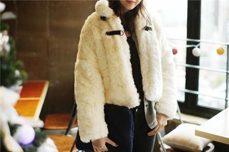 """Bí quyết mặc ấm và phong cách cho những ngày đi làm trời """"siêu lạnh"""" 22"""