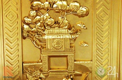 Chiêm ngưỡng đền thờ dát vàng giá ngàn tỷ tại Việt Nam 7