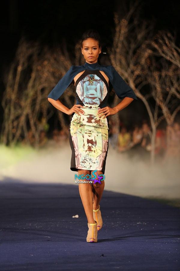 Hoa hậu Thùy Dung, Diễm Hương quyến rũ trong trang phục màu sắc 10
