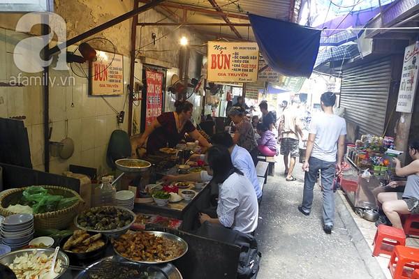 Khám phá những món ngon mà rẻ tại ngõ Đồng Xuân 10