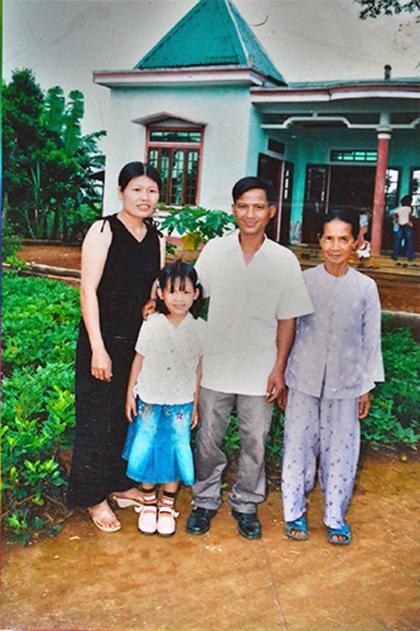 Sợ nghèo, cả thôn quyết không sinh con thứ ba 1
