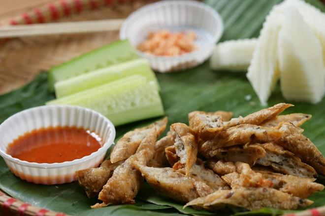 Khám phá món chân gà muối chiên mới lạ tại Sài Gòn 4