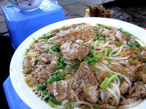 Những quán ăn đắt vẫn đông khách ở Hà Nội 4