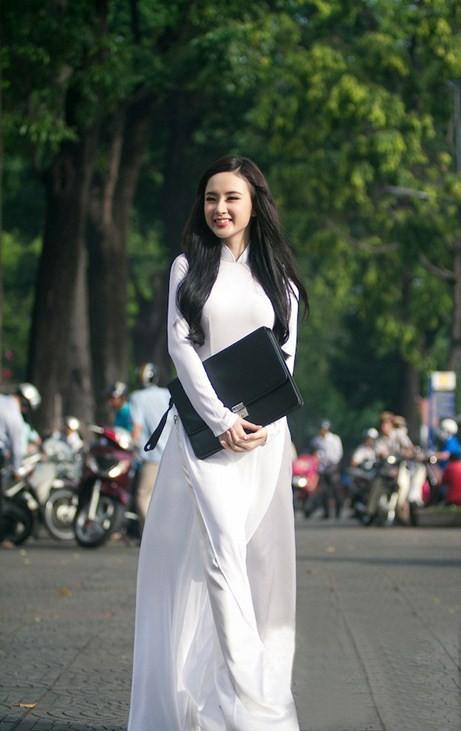 Angela Phương Trinh hiền dịu, mỏng manh trong tà áo dài trắng 5